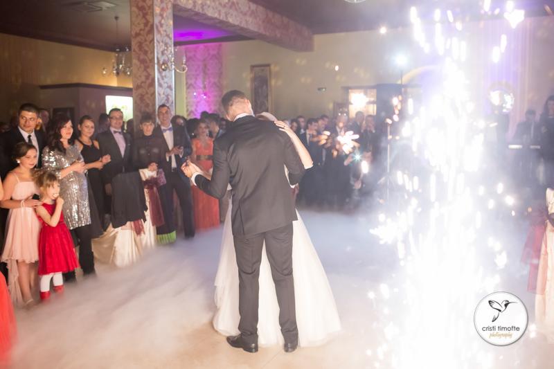 George si Andra ~ fotografii de nunta Falticeni - 05.10.2013-258